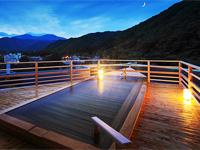 鬼怒川の絶景を眺められる庭園露天風呂