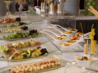 ホテルエミシア札幌 ホテル特製のクロワッサンや、健康志向の道産品メニューも楽しめる朝食ブッフェ