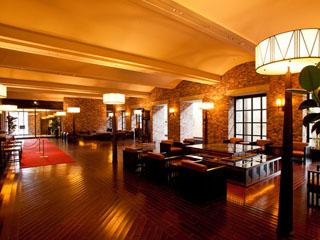 ラビスタ函館ベイ [1Fロビー]広々とした空間でお客様をお迎え致します