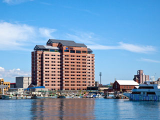 ラビスタ函館ベイ 歴史風情のある街「函館」その函館の眼窩を一望できる大型リゾートホテルです。客室350室。
