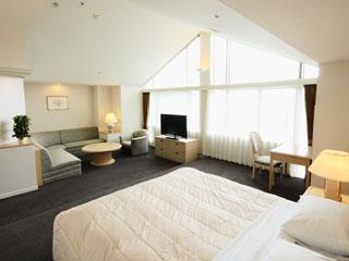 ルスツリゾートホテル&コンベンション 宿泊は全室スイートタイプのタワーからログハウスまで、収容人数4000名
