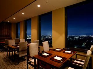 京王プラザホテル札幌 レストランでは美しい風景が味わいに彩りを加える
