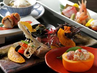 三余庵 料理一例~北海道・十勝の大地が育んだ、みずみずしい美しさをいかした創作和食懐石