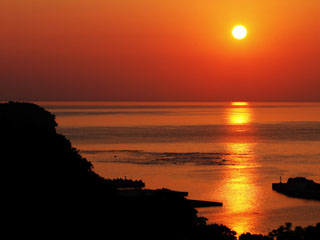 キキ知床 NATURAL RESORT(旧:知床プリンスホテル風なみ季) オホーツクに沈む絶景の夕日をお楽しみください