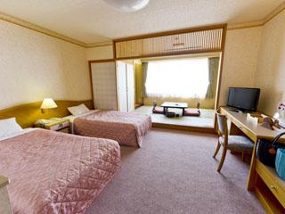 キキ知床 NATURAL RESORT(旧:知床プリンスホテル風なみ季) 新南館和洋室はバストイレ別、オホーツク海の見える絶景