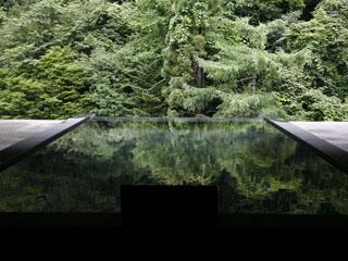 登別温泉郷滝乃家 天に湧くのは、最上階の湯処「雲井の湯」