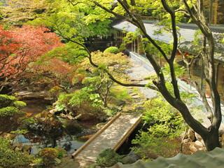 函館湯の川温泉 湯元 啄木亭 函館ゆかりの由緒ある松岡庭園をそのまま保存した銘庭