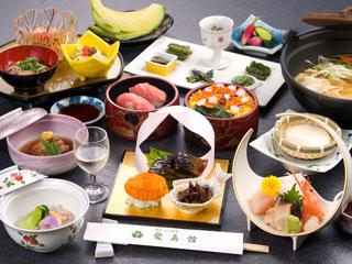 愛真館 季節の物を使った料理は地元食材中心