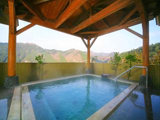 大江戸温泉物語 鳴子温泉 ますや 露天風呂より温泉街を一望でき眺望は絶景です