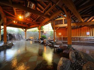 ホテル瑞鳳 立ち湯や打たせ湯など6つの露天風呂をご用意