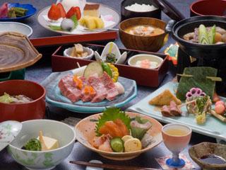 蔵王国際ホテル 地産地消にこだわり、できるだけ郷土の味を揃えたご夕食