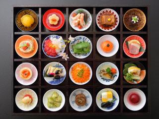 日本の宿古窯 料理一例(彩り20品)