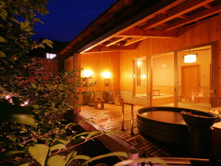 鬼怒川グランドホテル夢の季 畳のお休み処付きの貸切露天風呂「かく恋慕」一休