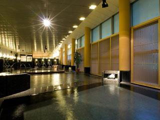 鬼怒川温泉ホテル 2種類の大浴場には計10種の浴槽があり、ゆっくりと温泉を楽しめる