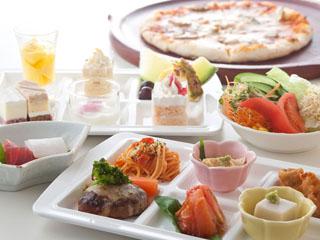 鬼怒川温泉ホテル 和洋中70種以上の料理が並ぶブッフェは選ぶだけでも楽しくなります