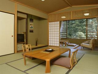 日光千姫物語 和室は全室、山と渓谷を望む南側に