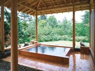 つつじ亭 効能豊かな草津の湯を湛えた大浴場露天風呂
