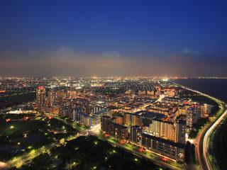 アパホテル&リゾート<東京ベイ幕張> 高層階からの夜景は抜群!
