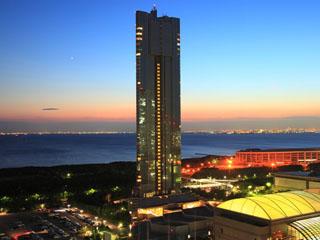 アパホテル&リゾート<東京ベイ幕張> ホテル単体としては日本最高層・全室オーシャンビュー。宿泊者無料の大浴殿、露天風呂有。