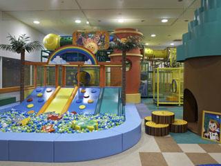 シェラトン・グランデ・トーキョーベイ・ホテル 幅広い年代のお子様の冒険心をくすぐる遊具が沢山揃ったトレジャーズ!アイランド