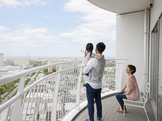 ホテル エミオン 東京ベイ ベイエリアを一望できるバルコニーからは東京スカイツリーも・・・