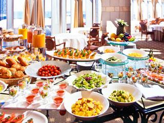 ホテルフランクス 新鮮な地元食材と豊富なメニューの朝食をご用意