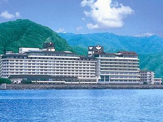 鴨川ホテル三日月 目の前は太平洋!心地良い潮風を感じられます