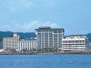 勝浦ホテル三日月 お部屋より勝浦湾(太平洋)が一望出来ます。