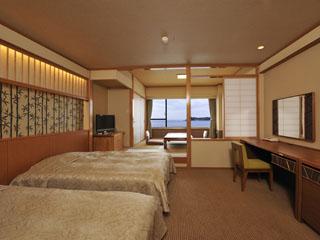 勝浦ホテル三日月 全室オーシャンビュー 和洋室ルーム一例