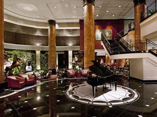 ウェスティンホテル東京 館内はアンピール様式を取り入れた芸術的な造り
