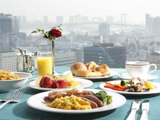 ザ・プリンス パークタワー東京 朝食は33階のスカイバンケットで種類豊富な洋食ブッフェ