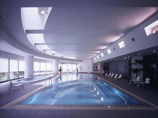 セルリアンタワー東急ホテル リフレッシュスペースとして、フィットネスクラブを併設