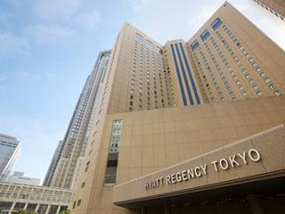 ハイアット リージェンシー 東京 西新宿に位置。交通アクセスが便利な絶好のロケーション