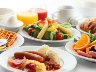 メルキュールホテル銀座東京 〈朝食〉フランスから直輸入するサクサクのクロワッサンが人気