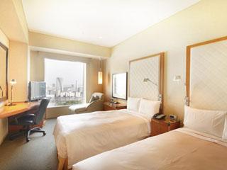 ザ ロイヤルパークホテル 東京汐留 天井高2.8m以上と開放的な空間をご提供します