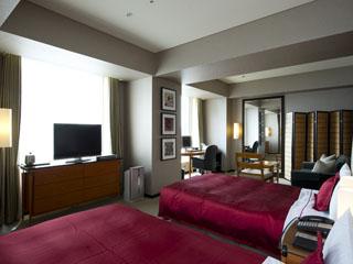 ザ ロイヤルパークホテル 東京汐留 ゆったりとしたソファースペースやバススペースが特徴