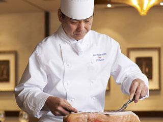 京王プラザホテル フレンチ&イタリアン「デュオ フルシェット」はシェフのカッティングサービスも