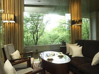 京王プラザホテル バー・ラウンジは館内に7店舗あり、ゆったりと寛げる