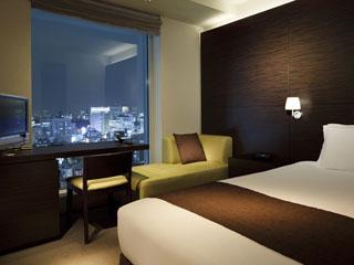 三井ガーデンホテル銀座プレミア ビジネスに最適。ライティングデスクもある「モデレート・シングル」