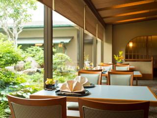 浅草ビューホテル レストラン「歌留多」