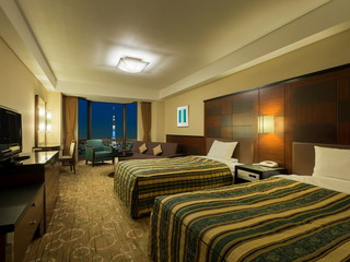 浅草ビューホテル 喧噪を忘れる居心地のよさと遥かな眺望。心身のリラックスを誘うゲストルームです