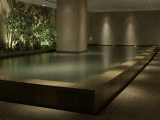 ハイアットリージェンシー箱根リゾート&スパ 大涌谷温泉を源泉とする大浴場。ゆったりとした雰囲気で入浴をお楽しみ頂けます