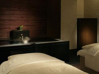 ハイアットリージェンシー箱根リゾート&スパ スパIZUMIでは、本格的なスパリゾートをご体感いただけます
