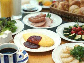 横浜ベイホテル東急 レストラン「カフェトスカ」の朝食ビュッフェ。できたてアツアツのオムレツな絶品!