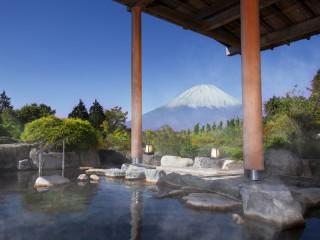 ホテルグリーンプラザ箱根 大浴場の露天風呂から望む富士山の絶景