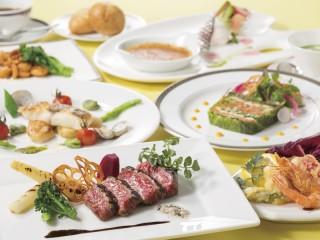 ホテルグリーンプラザ箱根 趣向を凝らした豪華な洋食フルコースも味わえる