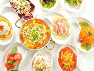 箱根仙石原プリンスホテル レストラングリルで楽しめるハーフブッフェディナー