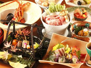 ホテル南風荘 旬の食材を使用した調理長自慢の料理が、贅沢なひと時を演出します