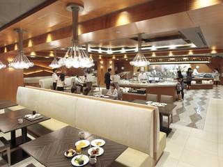 横浜ベイシェラトンホテル&タワーズ 約50種類の和・洋・中のできたてメニューが並ぶブッフェ