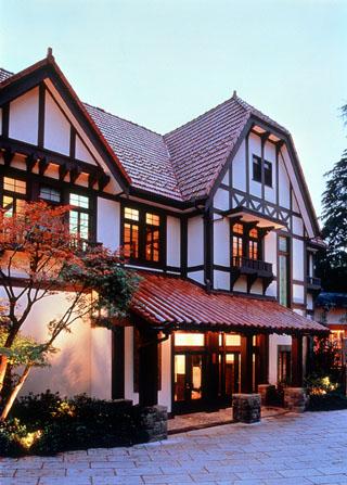 強羅花壇 閑院宮家別邸を利用した隣接の懐石レストラン